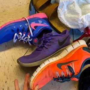 3 pairs of Nike free runs